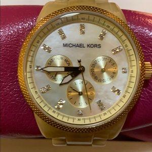 Stunning gold MICHAEL KORS Link watch
